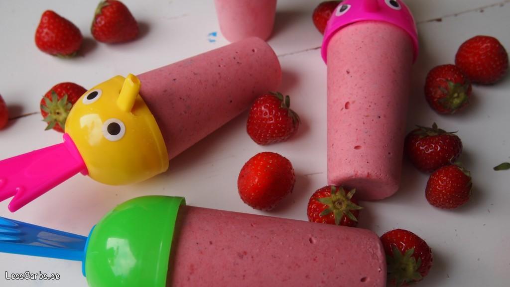 Svalkande hallon/jordgubbsglass