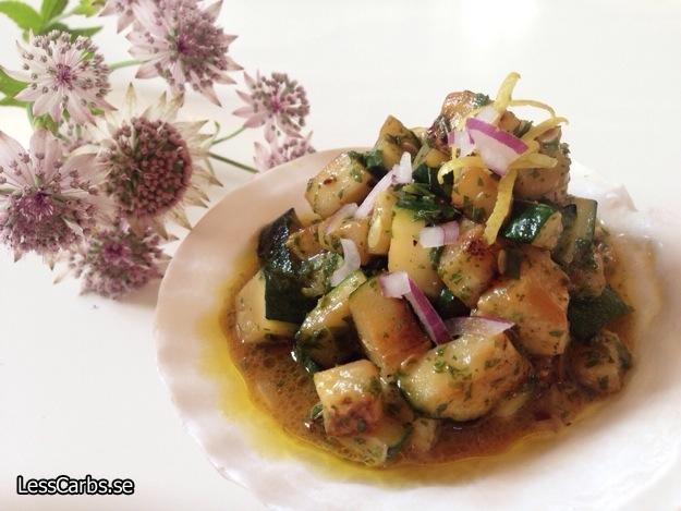 Zucchini och auberginesallad – Falsk potatissallad LCHF