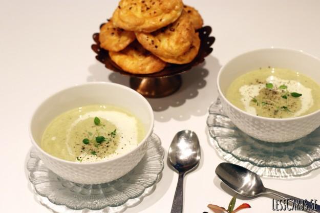 Savoykål- och purjolökssoppa
