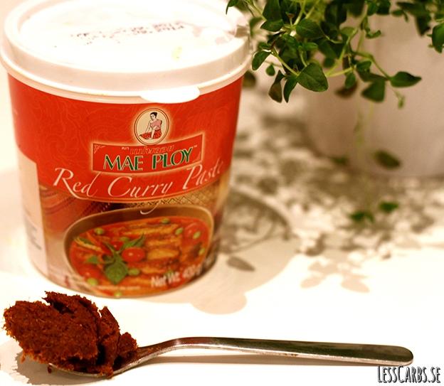 Vitkålssoppa med röd curry