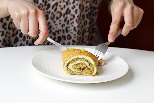 Omelettwrap med broccolihummus