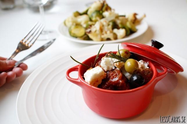 Medelhavsinspirerad köttgryta med fetaost och oliver