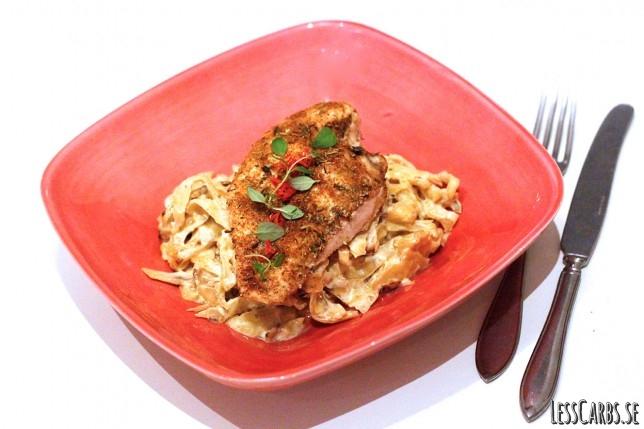 Grekisk kyckling med vitkålsgratäng – enkelt att sno ihop