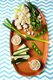 Aubergineröra och grönsaker