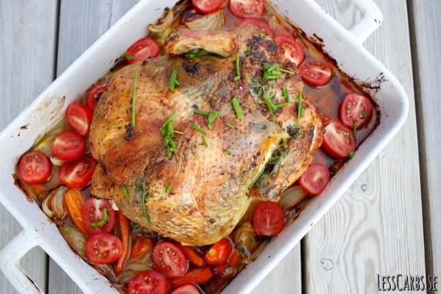 Helstekt kyckling med vitlök, persilja och gräslök