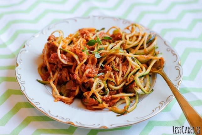 Snabb köttfärssås med zoodles – perfekt att sno ihop