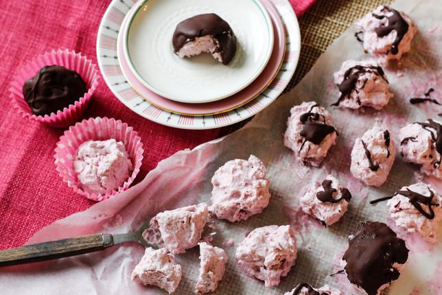 Hallon- och kokosbollar – socker-, mejeri- och glutenfria