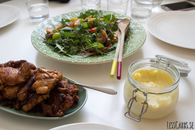 Ljummen zucchinisallad med kyckling och limemajonäs