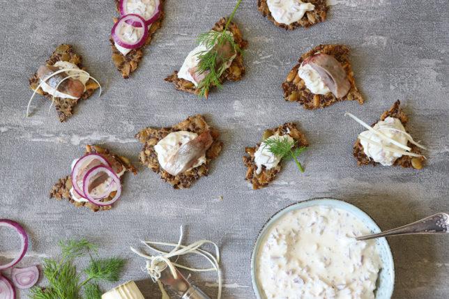Sillknäcke med Wild chips röra – perfekt till midsommar!