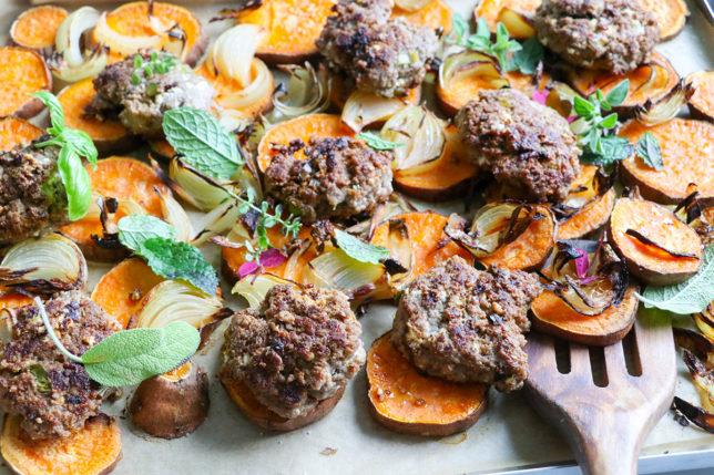 Sötpotatis i ugn med saftiga köttfärsbiffar