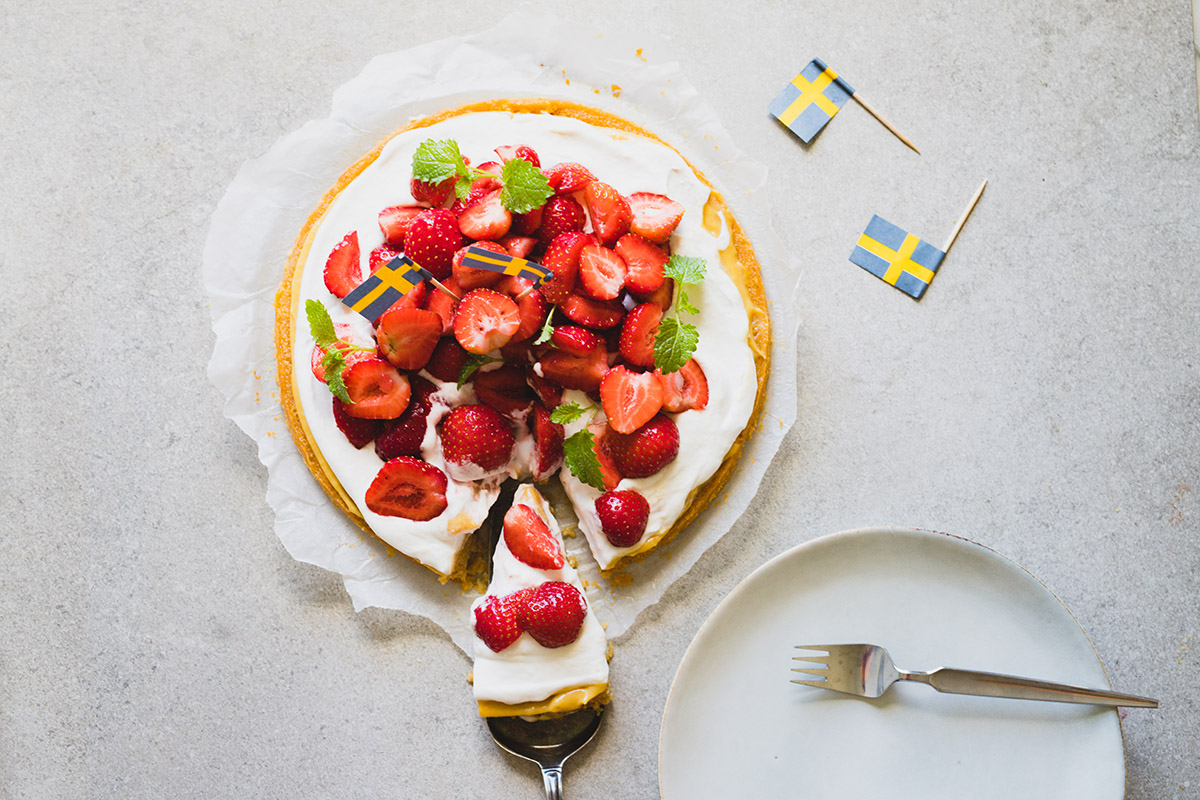 Enkel midsommartårta