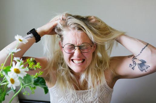 Kliande hårbotten lesscarbs