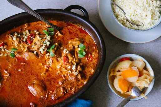 Kycklinggryta med chili, kanel och ingefära