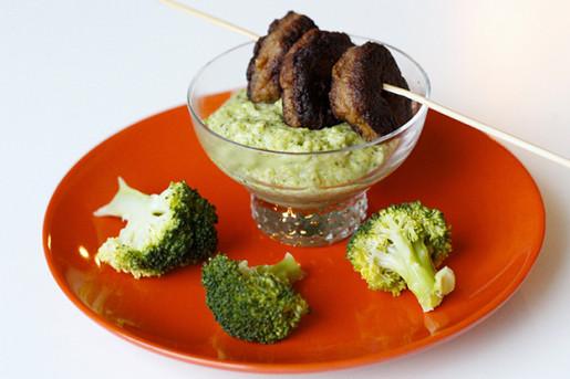 Tonfiskkakor med broccolimos