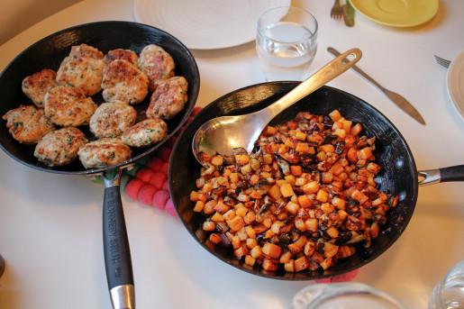 Enkel kålrot- och auberginepytt med örtbiffar
